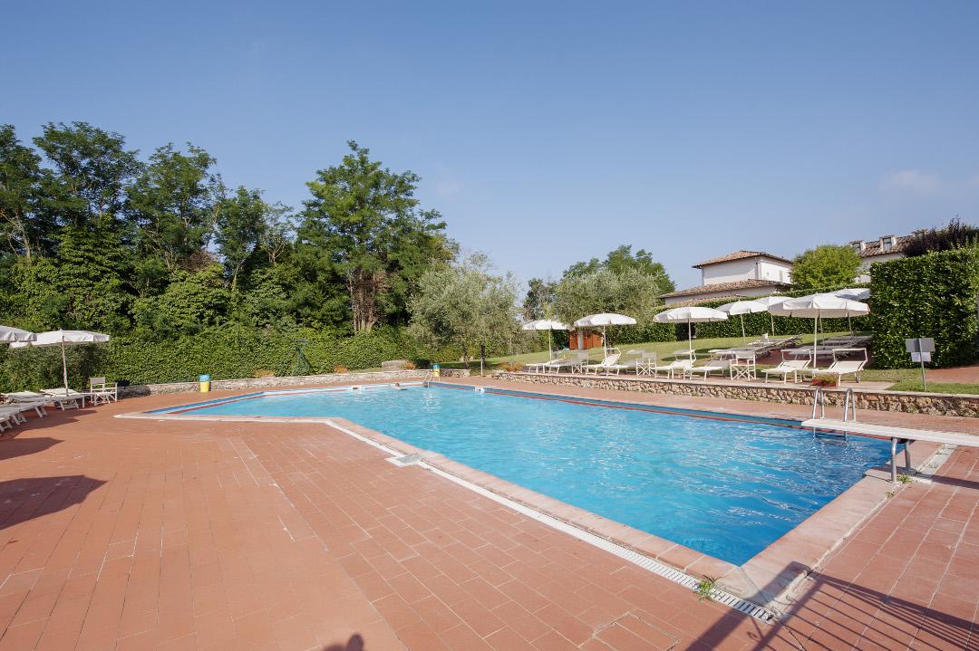 Hotel con piscina siena hotel garden - Hotel a pejo con piscina ...