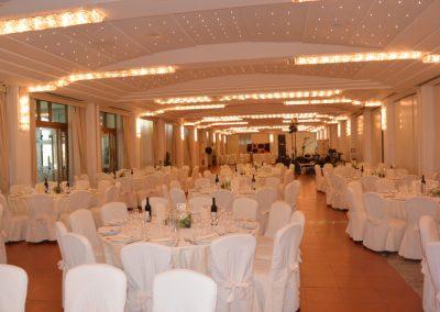 Matrimonio sala apparecchiata